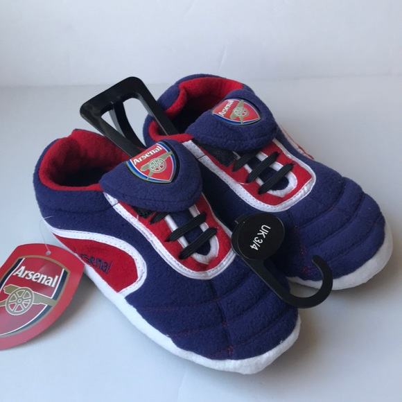 boys size 4 slippers